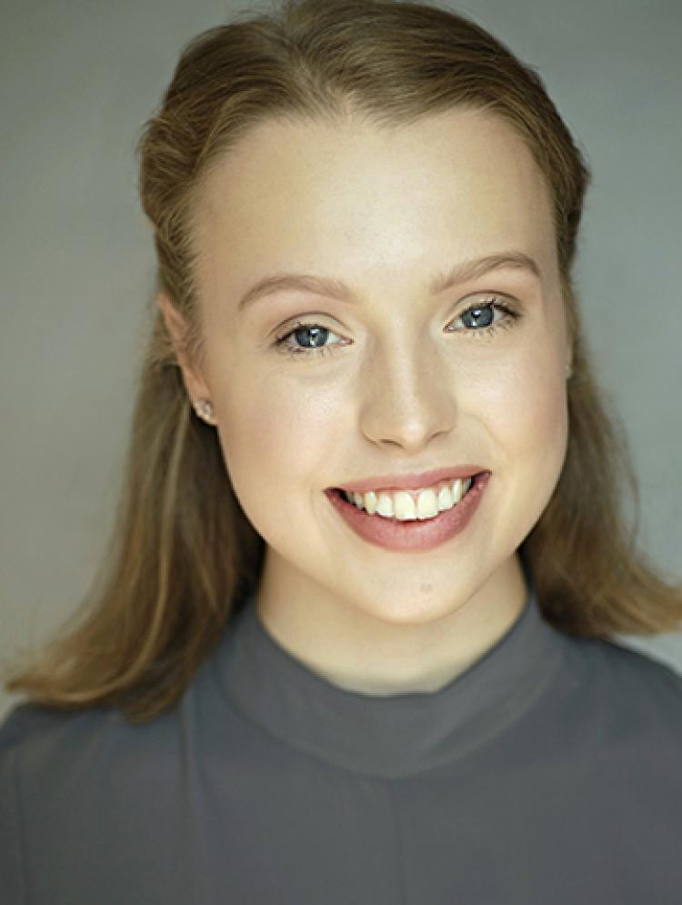 Photo of Lauren Steele