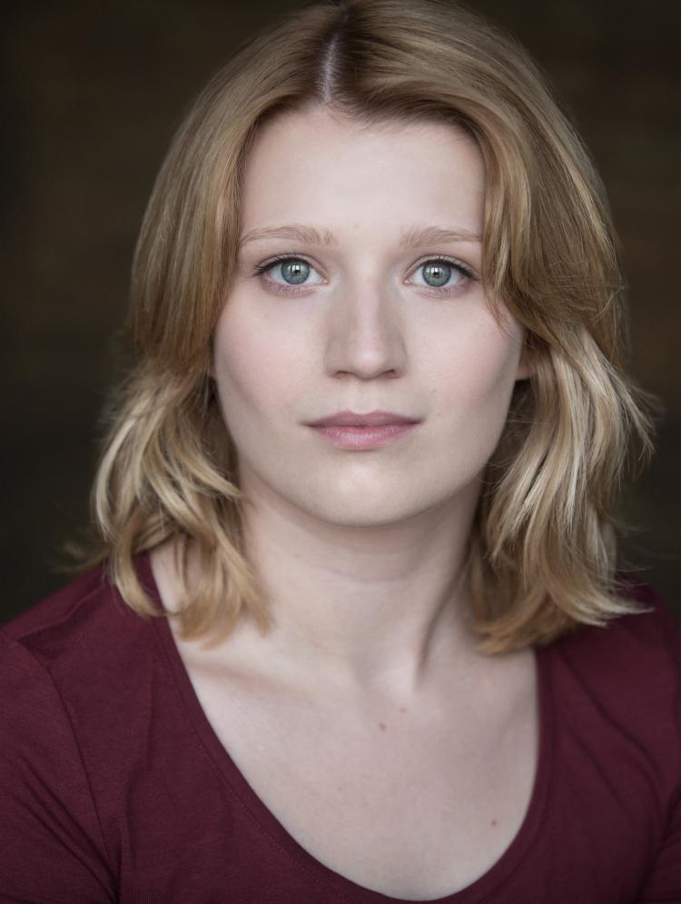 Photo of Anna-Louise Nixon