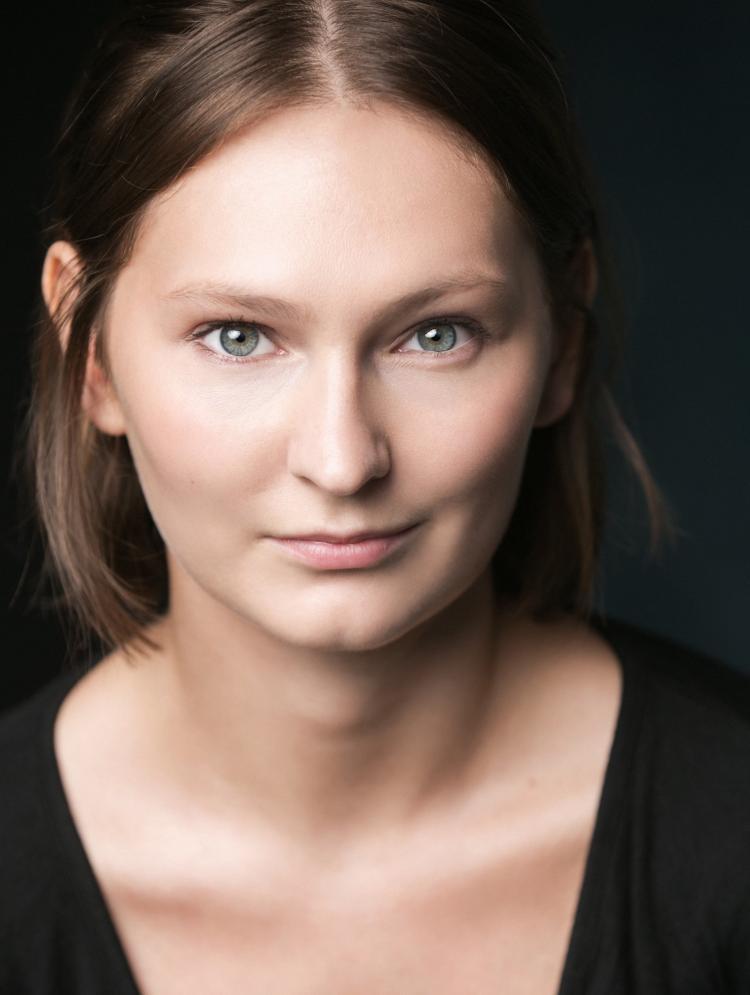 Photo of Hannah Thomas-Davies