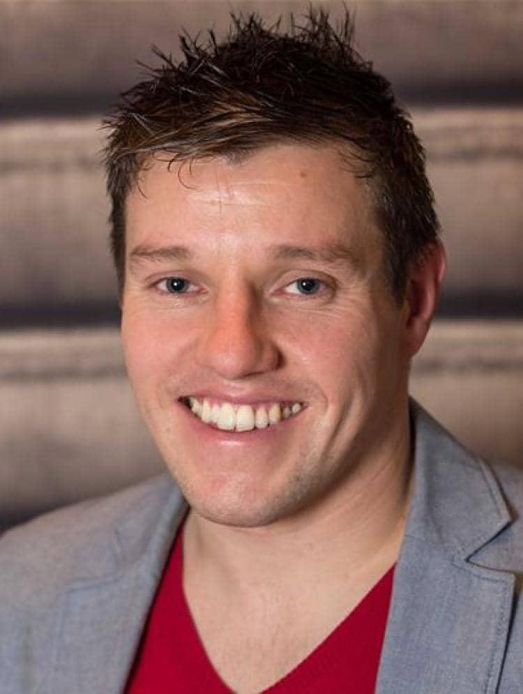 Photo of Oliver Scott